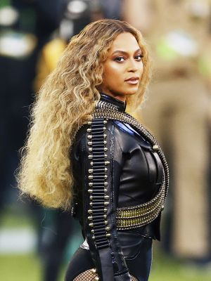 Super Bowl Beauties: How to Get Gaga's Rad Eye Makeup and Beyoncé's Glowing Skin