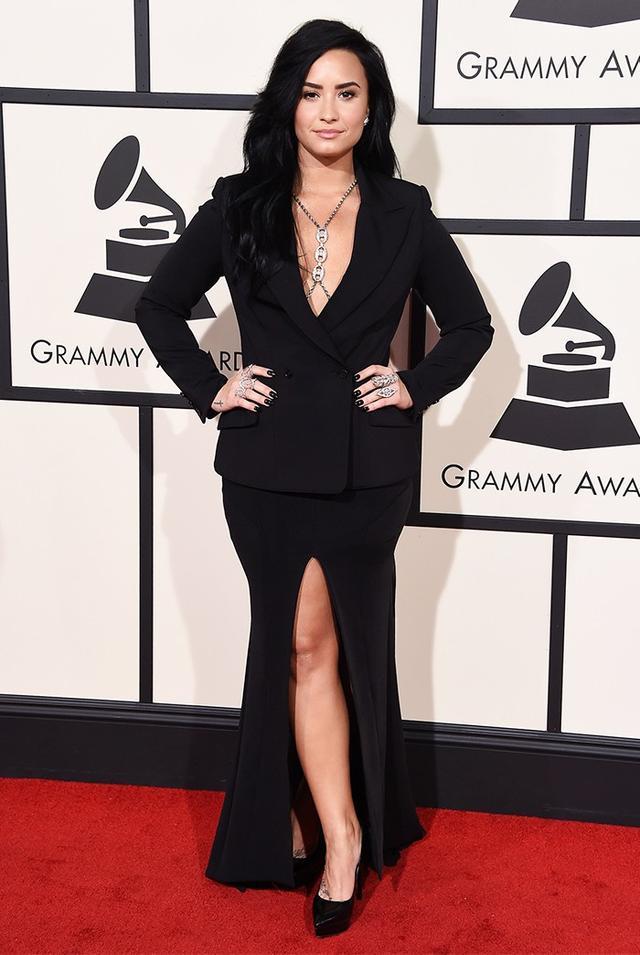 WHO: Demi Lovato WHAT: Performer WEAR:Norisol Ferrari dress; Loree Rodkin jewellery.