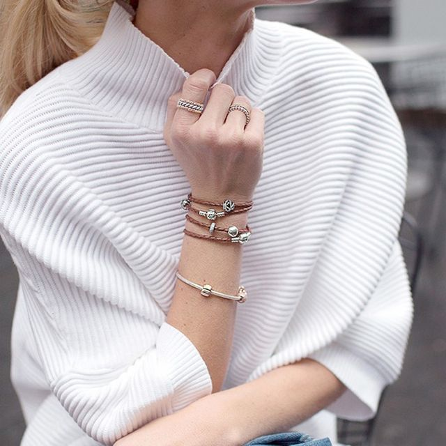 How to Pair Go-To Jewelry With Classic Outfits Like an It Girl