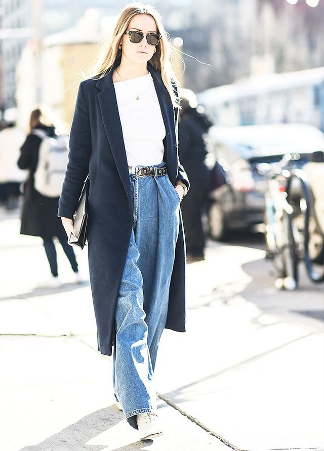 Style Notes: Boyfriend jeans with minimalistic, clean tailoring are the ultimate understated statement at fashion week. Against the crowds of look-at-me outfits, sometimes this is the...