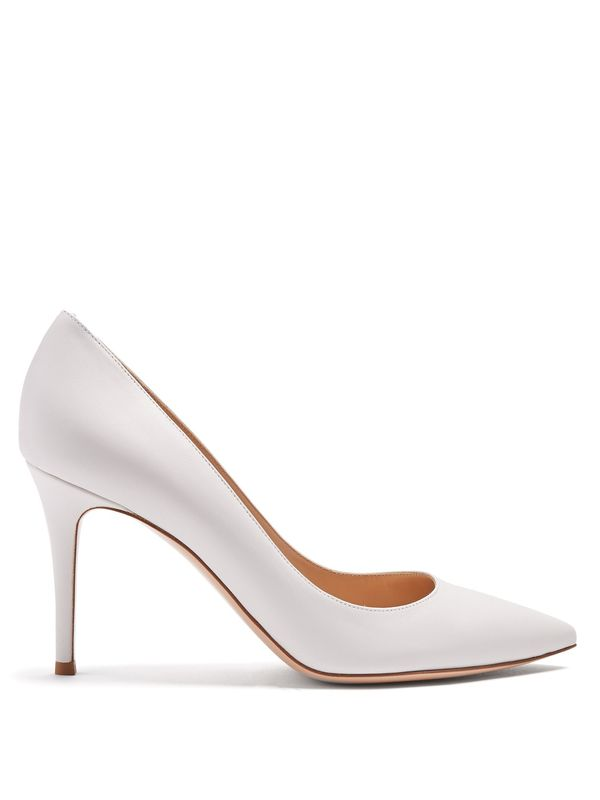 white shoes trend: Gianvito Rossi 85 Leather Pumps