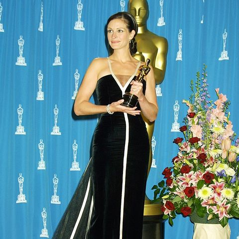 Best Oscars Dresses: Julia Roberts in Valentino, 2001