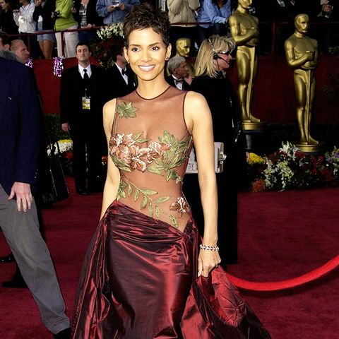 Best Oscars Dresses: Halle Berry in Elie Saab, 2002