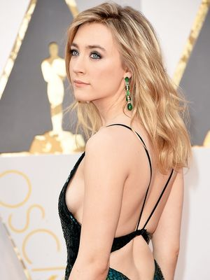A Best Actress Nominee Wore Mismatched Earrings to the Oscars