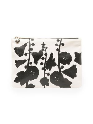 Must-Have: Printed Clutch
