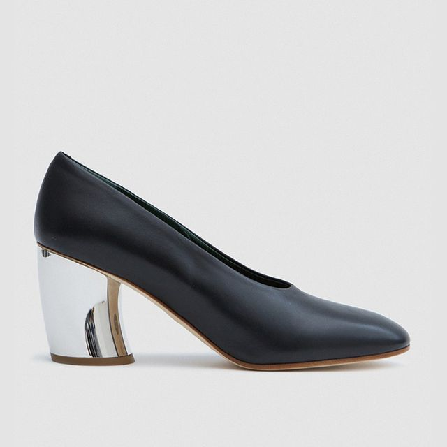 Curved Heel in Black Leather