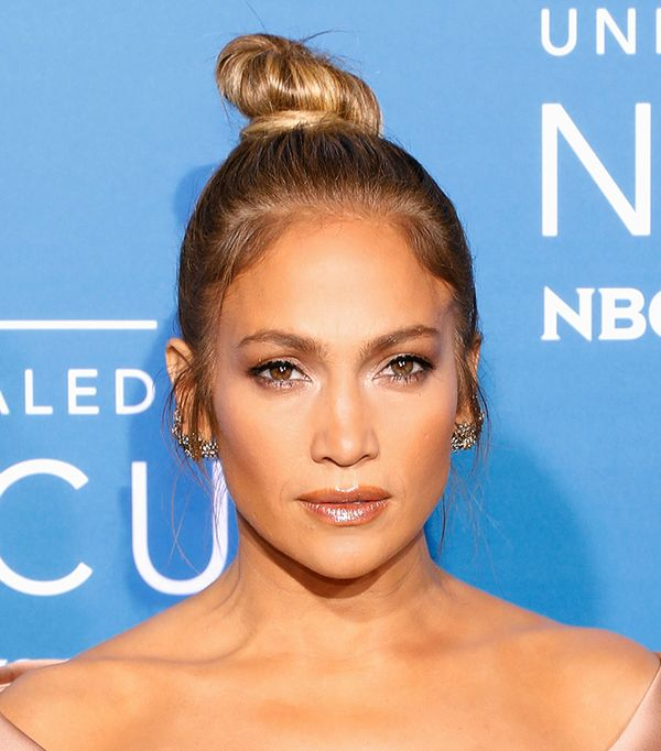 Jennifer Lopez lip gloss - celebrity beauty looks
