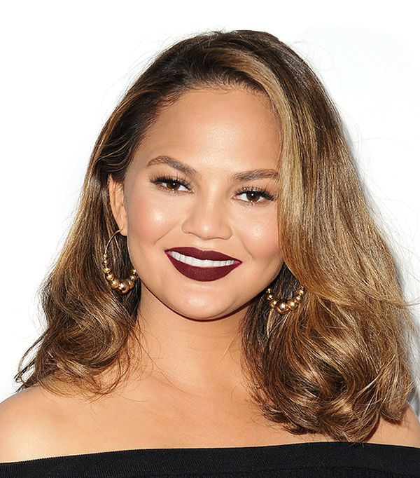 chrissy teigen makeup - celebrity beauty looks