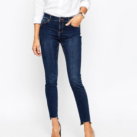 Lisbon Jeans With High-Low Hem