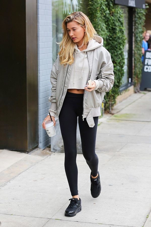 Leggings + Bomber + Sweatshirt + Sneakers