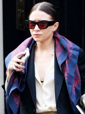 Ashley Olsen Perfectly Demonstrates How to Wear Your Scarf for Spring