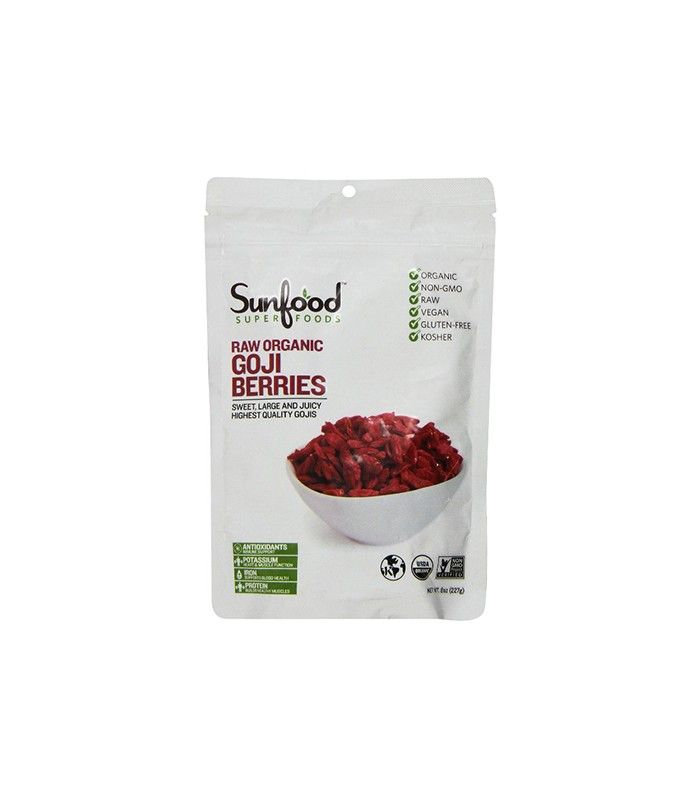 Raw Organic Goji Berries by Sunfood Superfood