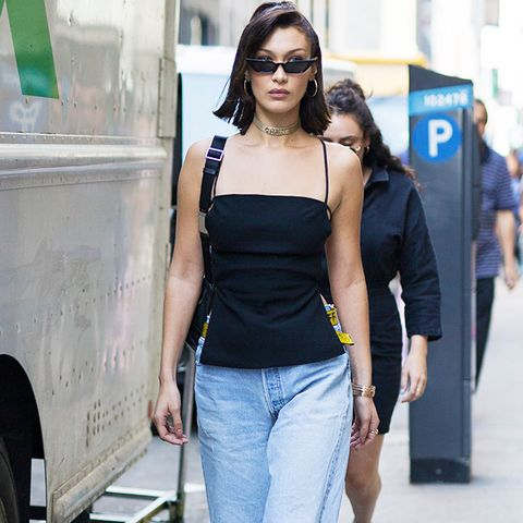 Bella Hadid style: black top and jeans