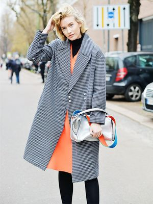 7 Ways to Make Your Handbag Look Cooler