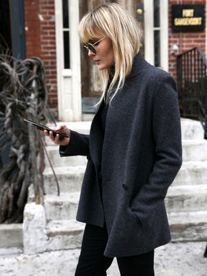 A Minimal Cool Way To Wear Black Flares