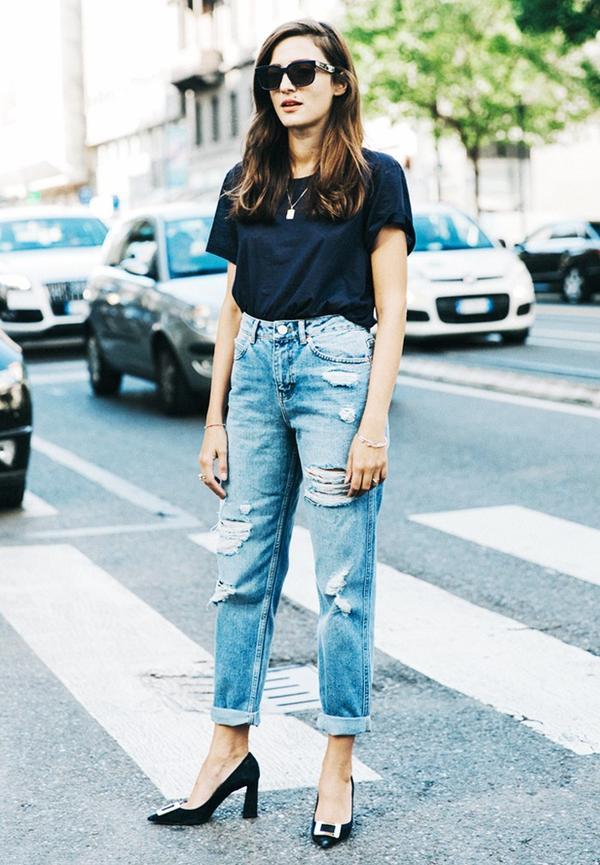 Jeans + Tee + Heels