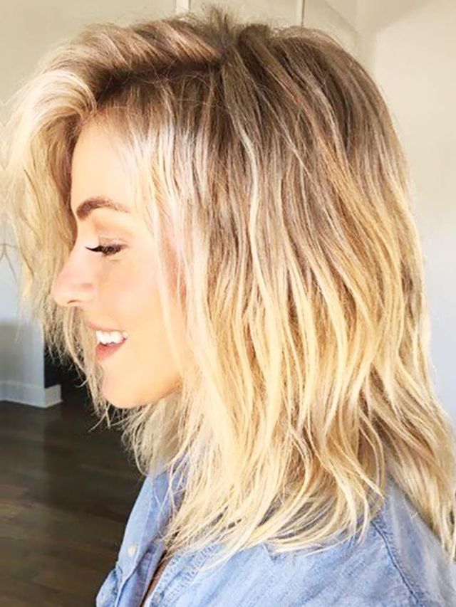 You Will Not Believe How Julianne Hough Got These Beachy Waves | Byrdie