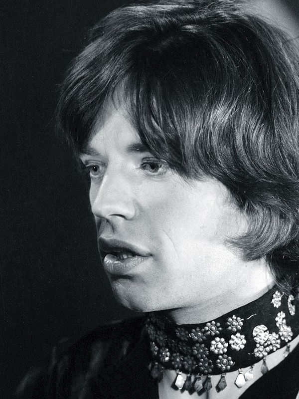 Here's Mick Jagger giving good choker in 1969.