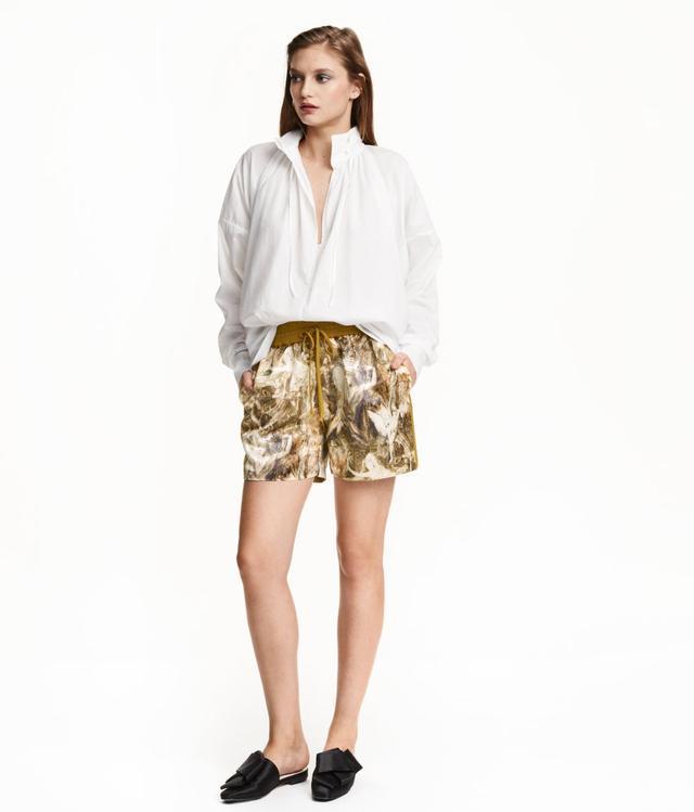 H&M Wide-Cut Cotton Blouse