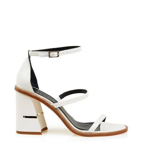 Ariya Sandals