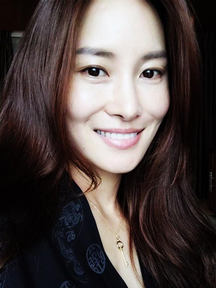 Mind Blowing Skincare Routine Of A Korean Model Byrdie