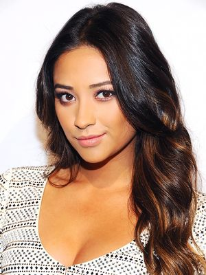 The 14 Best Shay Mitchell Beauty Moments Ever