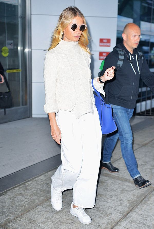 gwyneth paltrow airport outfit, sneakers