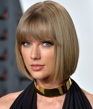 Alert: Taylor Swift's Hair Is Now Platinum