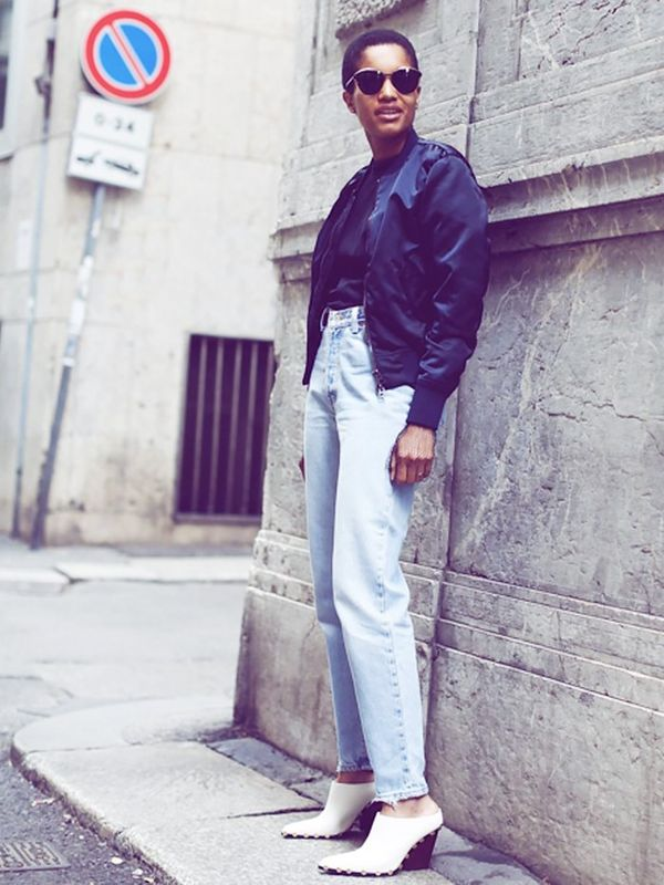 Style Notes: Tamu McPherson of All The Pretty Birdssums up everything we want from a weekend ensemble: vintage-cut jeans and a plain bomber jacket set against really stand-out shoes. These...