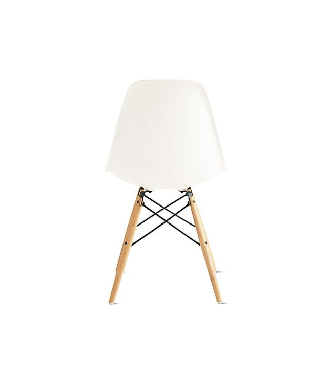 Eames Molded Plastic Dowel-Leg Side Chair (DSW)
