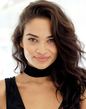 The 2-Step Foundation Hack Shanina Shaik's Makeup Artist Swears By