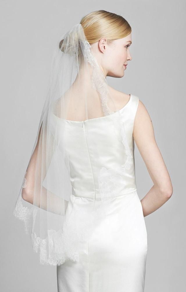 Veil Trends Alexa Chantilly Lace Veil