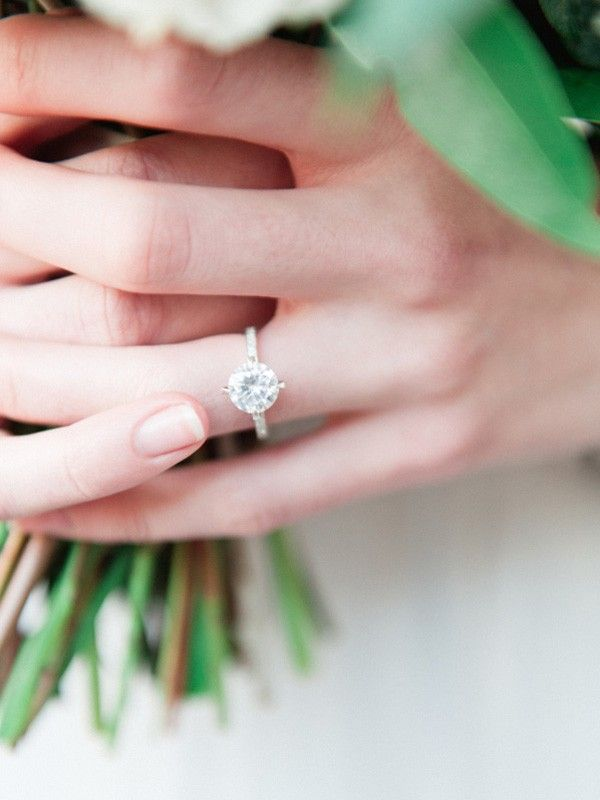 The Real Difference Between 1 And 2 Carat Engagement Rings | Who What Wear