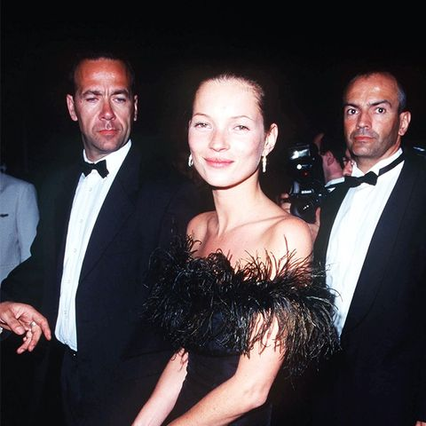 Kate Moss '90s style: LBD with feathers