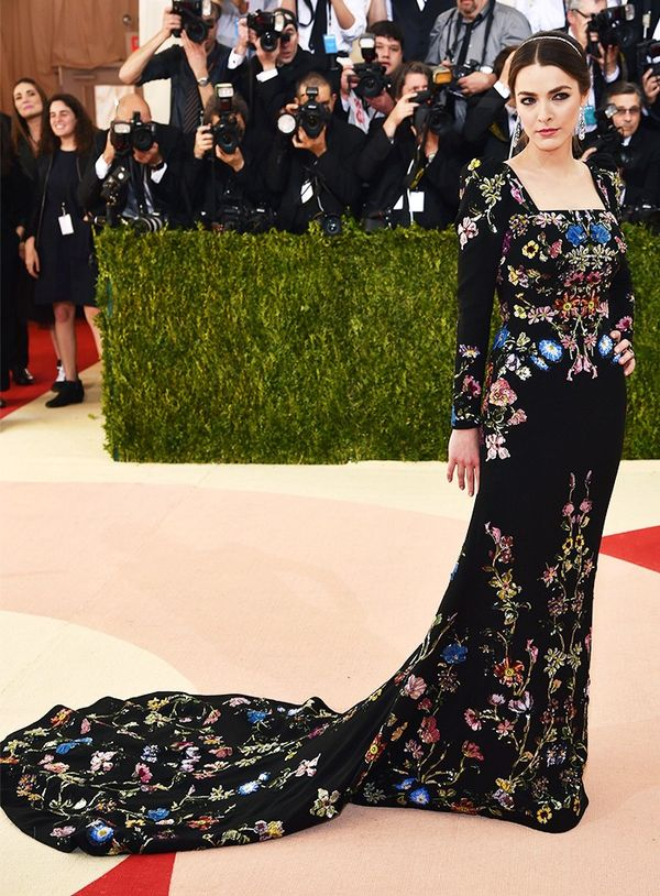 WHO: Bee Shaffer WEAR: Alexander McQueen gown and clutch.