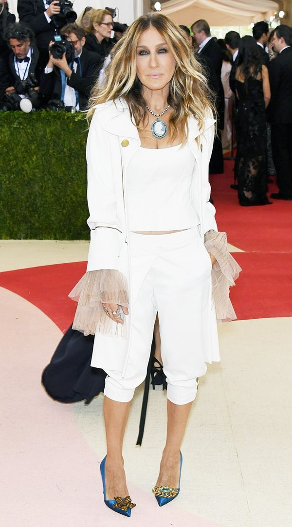 WHO: Sarah Jessica Parker Wear:Monse suit; Nina Ricci bag; Fred Leighton jewellery; SJP Collection heels.