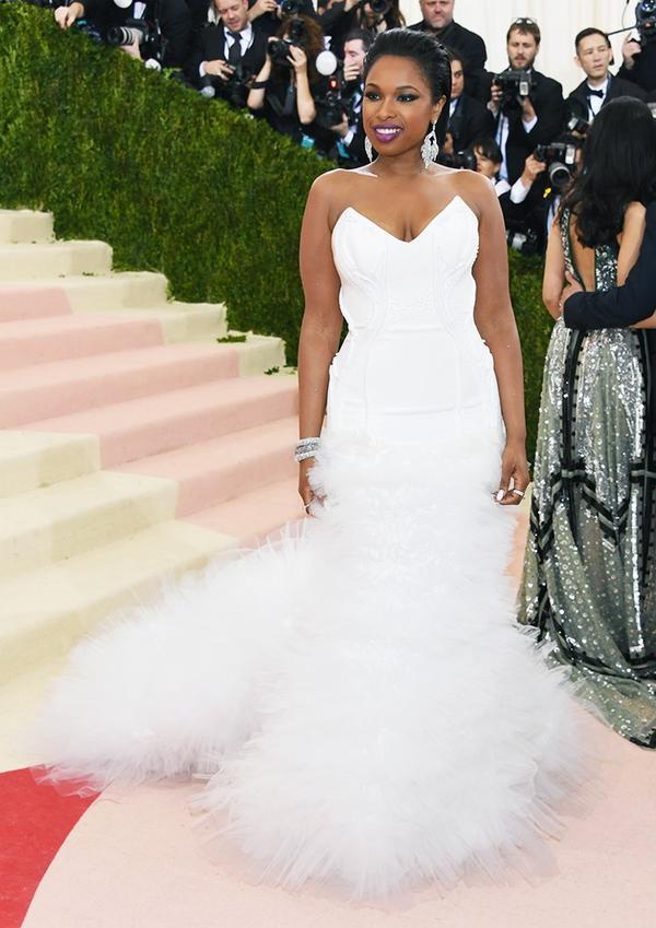 WHO: Jennifer Hudson WEAR: H&M gown.