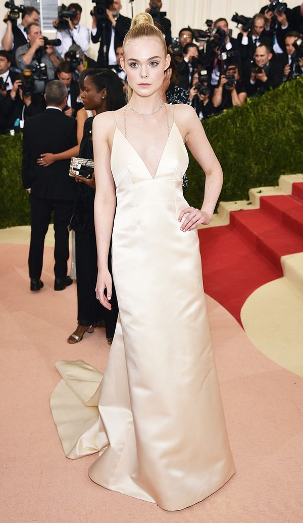 WHO: Elle Fanning WEAR: Thakoon gown; Tiffany & Co. jewels.