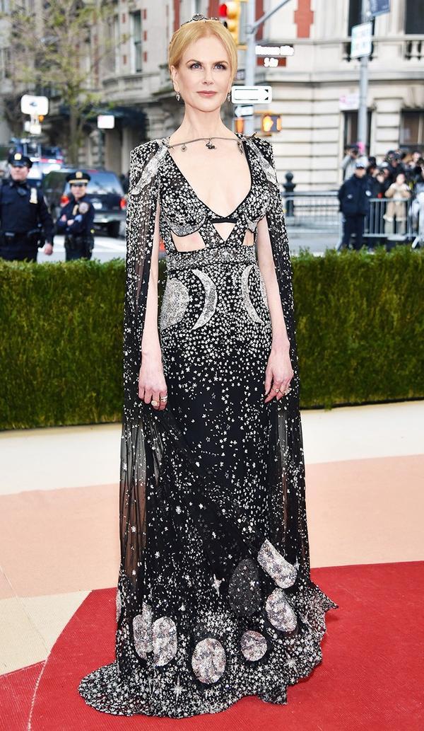WHO: Nicole Kidman WEAR: Alexander McQueen gown and cape.