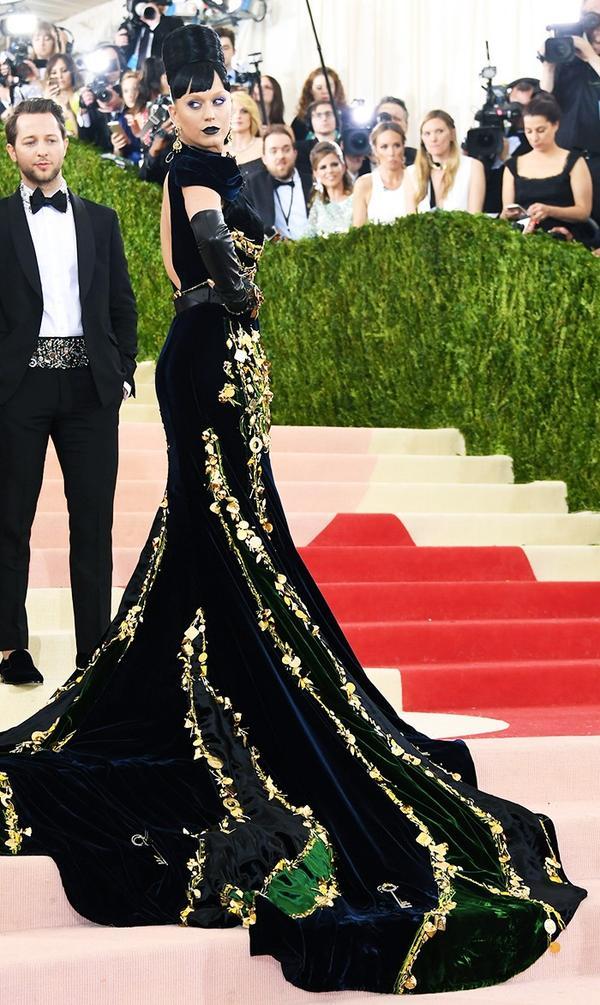 WHO: Katy Perry WEAR: Prada gown.