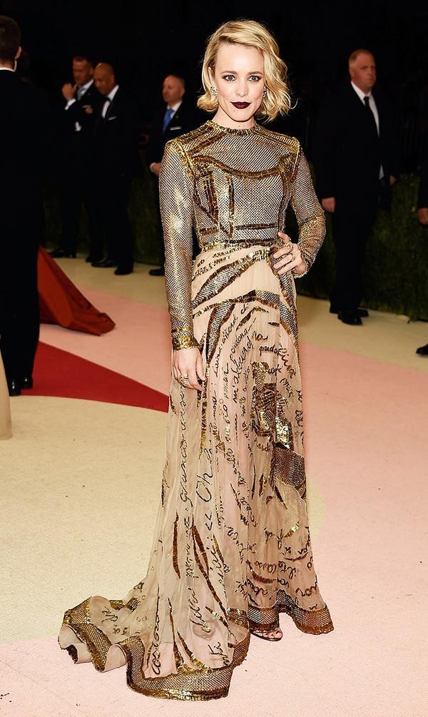 WHO: Rachel McAdams WEAR: Valentino gown; H. Stern jewellery; Jimmy Choo sandals.