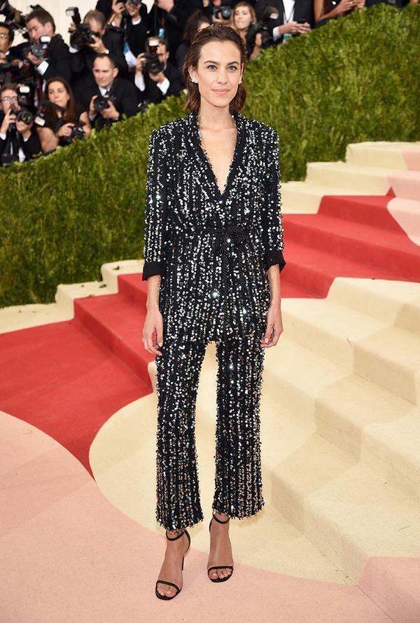 WHO: Alexa Chung WEAR: Thakoon suit; Anita Ko jewels.