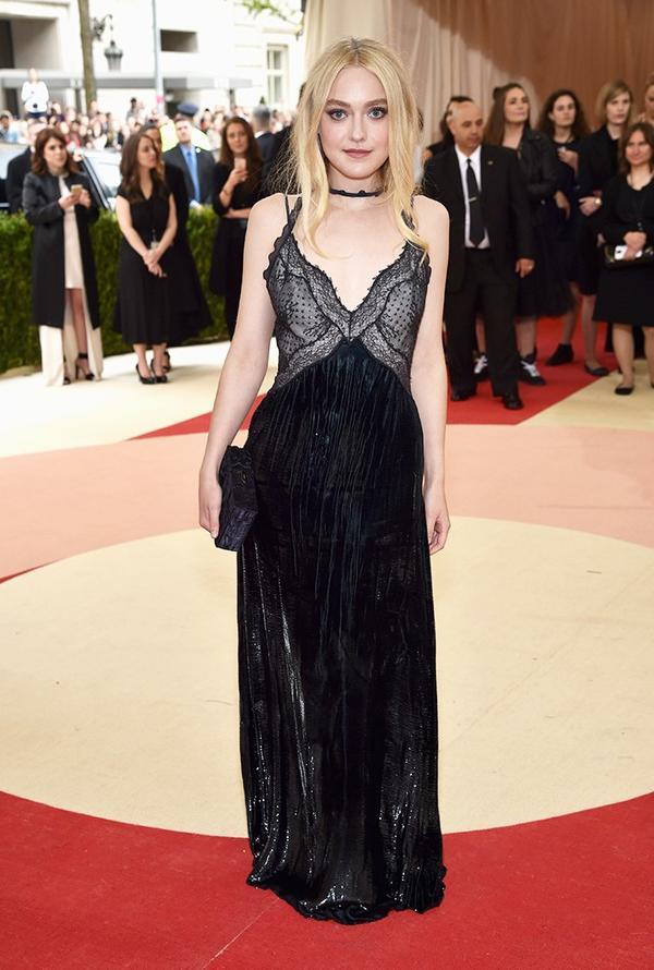 WHO: Dakota Fanning WEAR: Nina Ricci gown.