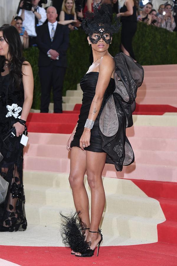 WHO:Zoë Isabella Kravitz WEAR: Valentino dress.