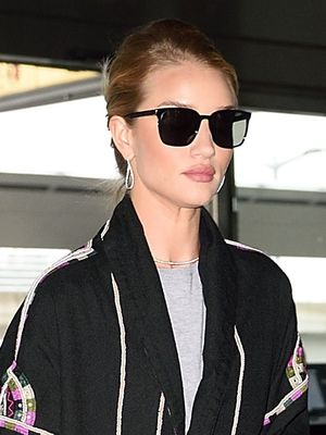 Rosie Huntington-Whiteley's Airport Style Impresses Us (for the Hundredth Time)