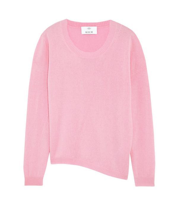 Effortless weekend outfit ideas:  pink jumper