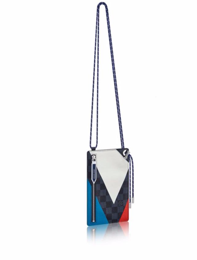 Louis Vuitton Ribbon iPhone Pochette Regatta