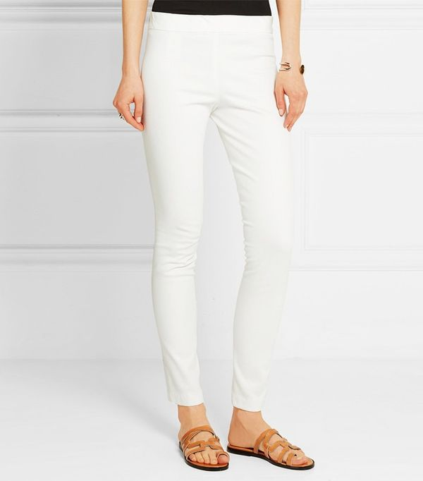 On the hunt for flattering leggings that are also affordable? The search ends here. Find out all about your next leggings purchase here.