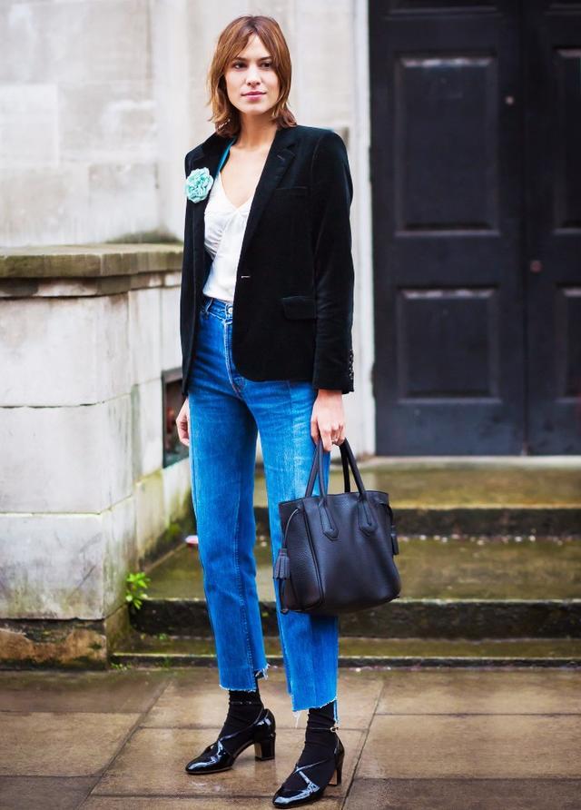 Blazer + Tank Top + Jeans