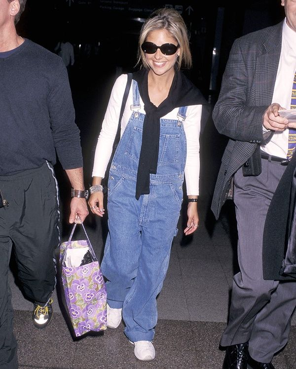 Sarah Michelle Gellar embraced the comfort factor of overalls, and we dig it.